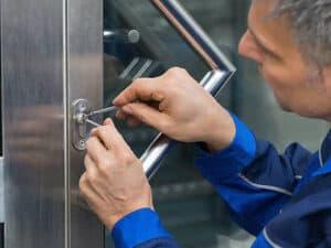 commercial locksmith in london,unlock gate london, change locks london, top 10 locksmiths london